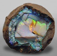 5922ab859d437a26a7c14bca9e4d9ffa  raw opal rough opal - The Opal