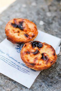 In diesem Artikel verrate ich euch meine Tipps für Lissabon. In 48 Stunden könnt ihr in der portugiesichen Hauptstadt eine Menge erleben. Learn Brazilian Portuguese, Beste Hotels, Algarve, Future Travel, Travel Advice, Lisbon, Travel Around The World, Food, Travelling