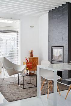 Emase Arquitectura Residencial Vivienda Unifamiliar Office Desk, Furniture, Home Decor, Residential Architecture, Hotels, Architects, Interiors, Desk Office, Decoration Home