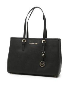 MICHAEL MICHAEL KORS Jet Set Travel Large Bag. #michaelmichaelkors #bags #lining #charm #keychain #accessories #hand bags #