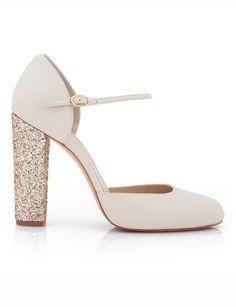 Preciosos y cómodos zapatos de novia de tacón estilo mary jane. Tacón block en glitter dorado para que brilles con luz propia.