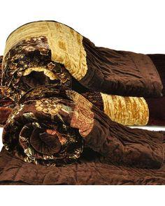 Golden Crush Border Single Bed Velvet Quilt, buy quilt online ... : quilt buy online - Adamdwight.com