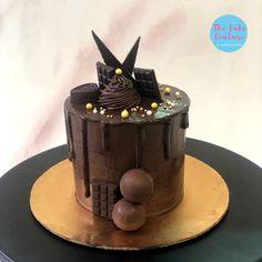 Chocolate Truffle Cake, Chocolate Sponge, Chocolate Truffles, Chocolate Ganache, Cricket Theme Cake, Homemade Chocolates, Teddy Bear Cakes, Cake Decorating Designs, Anniversary Cakes