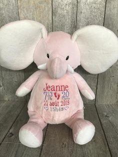 Rosie l'éléphant est une ballerine dans l'âme! Elle saura t'écouter et garder tes secrets avec sa mémoire d'éléphant! Disponible chez Broderie Amé Design. Boutique, Onesies, Teddy Bear, Toys, Budget, Te Amo, Ballet Flat, Activity Toys, Clearance Toys