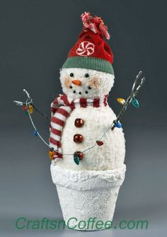This Peppermint Snowman could not be cuter! Love this. Tutorial on CraftsnCoffee.com.