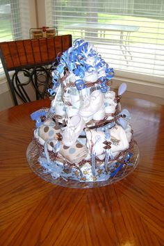 Adorable Diaper Cake @Alyna Fehmer Baby Shower, and her baby is the cutest!!