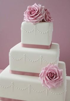 Roses and Pearls  wedding cake by Semla & Co