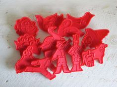 Vintage 12 Days of Christmas Cookie Cutters. I have this set of Cookie Cutters.