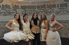 Thanks to my angels i love you girls you were beautiful ❤️  #fashionshow #paperdress #dress #paper