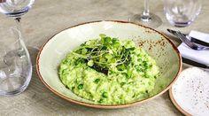 29.9 тыс. отметок «Нравится», 95 комментариев — Gordon Ramsay (@gordongram) в Instagram: «Delicious fragrant rice served with roasted turbot, if you haven't visited @no6padstow…»
