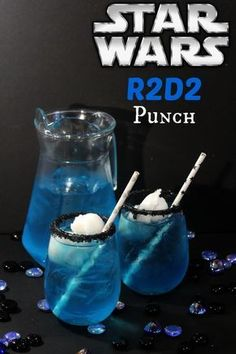 Star wars punch Recipe - Fun drink idea for your Star Wars themed party. Non Alcoholic Drinks, Bar Drinks, Cocktail Drinks, Yummy Drinks, Beverages, Star Wars Essen, Licor Baileys, Star Wars Food, Star Wars Party Food Snacks