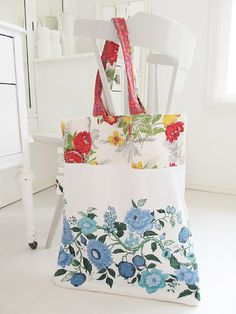Sister, I will supply the tablecloths if you make us these totes!