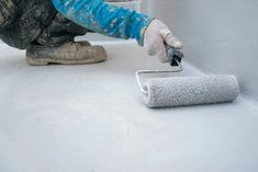 100+ Brilliant Household Uses for Vinegar   Reader's Digest Canada Painted Concrete Floors, Painting Concrete, Cement Floors, Epoxy Garage Floor Paint, How To Make Water, Vinegar Uses, Waterproof Flooring, Cleaning Hacks, Household