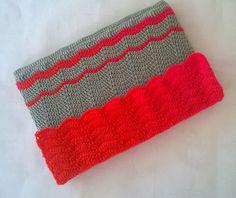 Crochet Ripple stitch laptop sleeve free tutorial