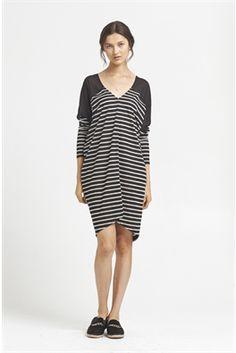 long sleeve step dress - Polyester black : 6&7 weekend essentials : shop online • m o o c h i