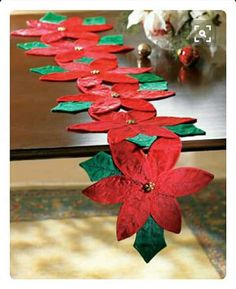 Collections Etc - Christmas Poinsettia Floral Table Runner Christmas Runner, Christmas Poinsettia, Felt Christmas, Handmade Christmas, Christmas Ornaments, Table Runner And Placemats, Table Runners, Christmas Projects, Holiday Crafts