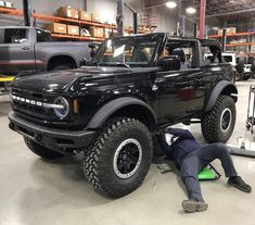"""Broncos of the South🇺🇸's Instagram profile post: """"This is an amazing size comparison, you truly get a feel for big the Bronco with Sasquatch package really is. Side Note: these are Nitto…"""" Big Daddy, Ford Bronco, Broncos, Dream Cars, 4x4, Monster Trucks, Vehicles, News Blog, Community"""