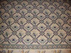 Recovering Arraiolos rug  Cantinho da Sónia: http://cantinhosdasonia.blogspot.pt/ Cantinho da Sónia