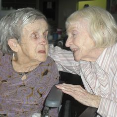 Silver Memories, a 24-hour radio station devoted to song from the '20s through to the '50s and old fashioned radio serials, is proving to be a powerful tool in fighting the effects of dementia. Cathy Van Extel visits a Queensland nursing home for a sing-along.