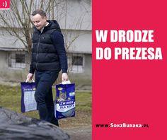 W drodze do prezesa WŁAŚCIWY CZŁOWIEK NA WŁAŚCIWYM MIEJSCU Polish Memes, Keep Smiling, Man Humor, Some Fun, Motto, Funny Pictures, Lol, Twitter, Haha