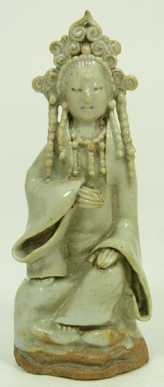 Antique Sung Dynasty Chinese Pottery Figure of a seated Quan Yin Goddes. ca. 14th c.