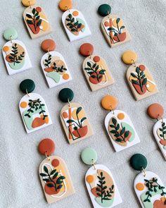Ceramic Jewelry, Polymer Clay Jewelry, Clay Beads, Ceramic Art, Diy Clay Earrings, Polymer Clay Projects, Clay Charms, Clay Creations, Artisanal