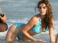 Kelly Brook   Celebrity Photo and Wallpaper