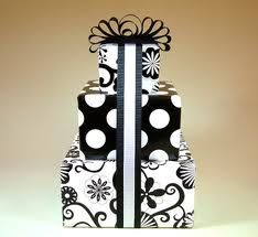 A stacked look with coordinating wraps and ribbons. Creative Gift Wrapping, Present Wrapping, Creative Gifts, Unique Gifts, Wrapping Ideas, Handmade Gifts, Creative Ideas, Hallmark Cards, Black And White Design