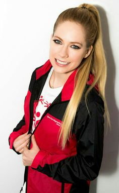 Avril lavigne. Singer & Songwriter ❤