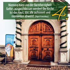 Zitat zum Advent von Papst Franziskus, Kirchentüre: Kloster Weggental Rottenburg in Baden-Württemberg