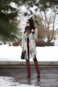 Moda Mujer Casual Outfits Scarfs Ideas For 2020 Burberry Scarf Outfit, Plaid Scarf Outfit, Snow Day Outfit, Casual Winter Outfits, Looks Style, Autumn Winter Fashion, Winter Style, Autumn Style, Fall Dresses