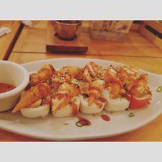 De mis lugares favoritos para comer #sushi @lt_sushi para cenar con amigos/familia entre semana o en fin todo súper rico además de que el lugar está muy lindo #wednesday #food #foodie #foodpic #foodporn #deli #delicious #foodblog #blog #blogger #instagram #yum #yummy #shrimp #foodblogger #gdl #japan #sushi #tea #yakimeshi #rice #arroz #gdlguide #lifestyle #gdl #mexicanfood #hungry #japanesefood #chapultepec #philadelphia
