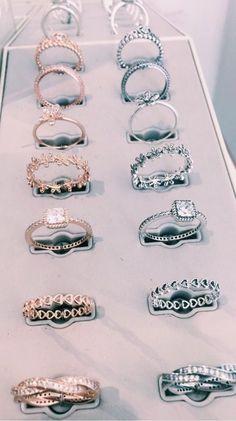 Moissanite Flower Engagement Ring Set White Gold Moissanite Diamond Rings Flower Engagement Rings – Fine Jewelry Ideas - Famous Last Words Pear Diamond Engagement Ring, Engagement Rings, Pear Ring, Morganite Engagement, Cute Jewelry, Jewelry Accessories, Jewelry Ideas, Jewelry Trends, Fashion Accessories