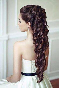 mooi bruidskapsel - kleur haar zwart gemeleerd