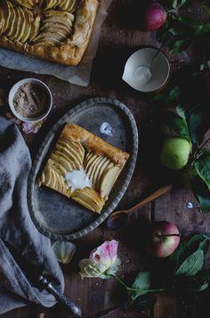 O Outono chegou de mansinho, os dias mais curtos, temperaturas mais suaves, noites mais frescas e é tempo de colher maçãs. Tinha uma r...