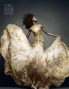 """Movement and Shape"" for Vogue Japan, November 2011. Photography: Sølve Sundsbø. Model: Nyasha Matonhodze."