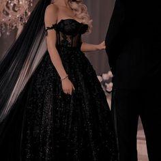 Pretty Prom Dresses, Elegant Dresses, Cute Dresses, Beautiful Dresses, Royal Dresses, Ball Dresses, Ball Gowns, Evening Dresses, Fantasy Gowns