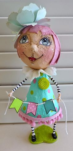 papier mache doll … Plus Paper Mache Projects, Paper Mache Clay, Paper Mache Sculpture, Paper Mache Crafts, Clay Art, Ceramic Sculptures, Diy Paper, Paper Art, Diy And Crafts