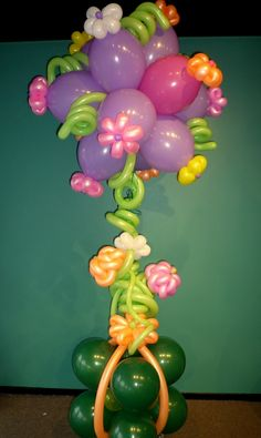 7' Balloon Bouquet - with twisting balloon flowers and beautiful balloon weight