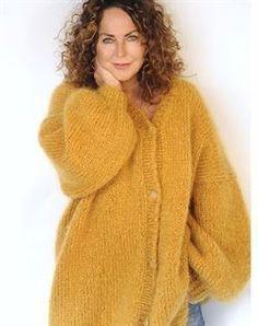 Strikkeopskrift til Tilda multi stribet strik cardigan Mohair Cardigan, Oversized Knit Cardigan, Knitting Wool, Cardigan Pattern, Yarn Projects, Facon, Couture, Knitwear, Knit Crochet