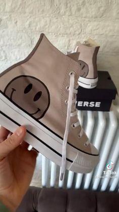 Converse Haute, Mode Converse, Converse Shoes, Diy Converse, Custom Converse, Dr Shoes, Swag Shoes, Hype Shoes, Me Too Shoes