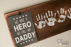 Fathers Day Free Printable Gift idea DIY handprint sign Totally doing this! Daddy Gifts, Gifts For Dad, Xmas Gifts, Crafts To Do, Crafts For Kids, Children Crafts, Daycare Crafts, Diy Crafts, Decor Crafts