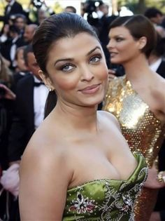 Aishwarya Rai, also known as Aishwarya Rai Bachchan, is an Indian film actress and model. She was the first runner-up of the Miss India pageant, and the winner of the Miss World pageant of 1994 Here is a spicy cleavage of bollywood beauty Aish ----- AISHWARYA RAI -----