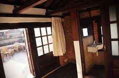 Small bedroom, bathroom and attached roof terrace - http://www.cosynepal.com/accommodations/durbar-squarehouse/
