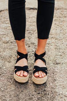 Fatima Esapdrille Sandals in Black