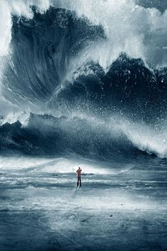 A man watches a giant tidal wave Tag a nature lover! Photo by. No Wave, Story Inspiration, Writing Inspiration, Surf Mar, Wind Surf, Lucid Dreaming, Heroes Of Olympus, Mother Nature, Fantasy Art