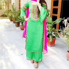 Punjabi Salwar Suits, Stylish Dpz, Mehndi Designs For Hands, Indian Designer Wear, Indian Fashion, Fashion Dresses, Sari, Designers, How To Wear