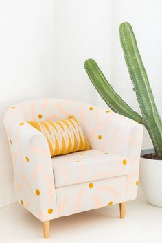 Refresh your home decor with a DIY painted chair makeover for that old piece of furniture you forgot you even owned! We hacked our Ikea chair! Chair Makeover, Furniture Makeover, Diy Furniture, Furniture Projects, Diy Chair, Chair Fabric, Dyi, Patterned Chair, Idee Diy
