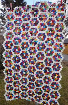 Hexagon quilt - progress by tubakk-quilt, via Flickr