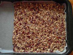 'Těsto' před vychlazením a porcováním Dates, Banana Bread, Cinnamon, Desserts, Food, Canela, Tailgate Desserts, Deserts, Essen